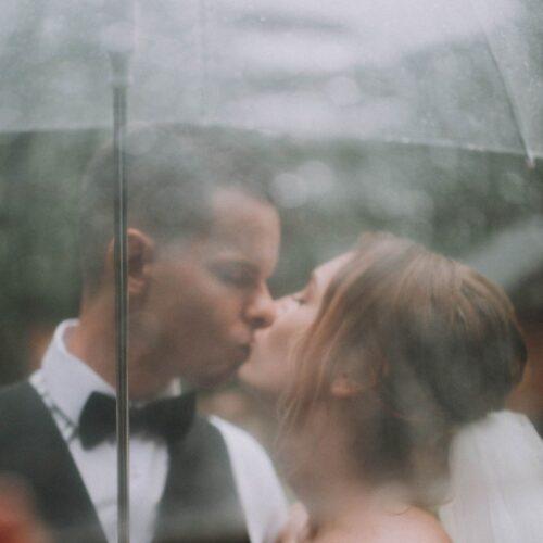свадьба в дождь